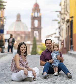 Julie George, Marketing Manager, Family in San Miguel de Allende