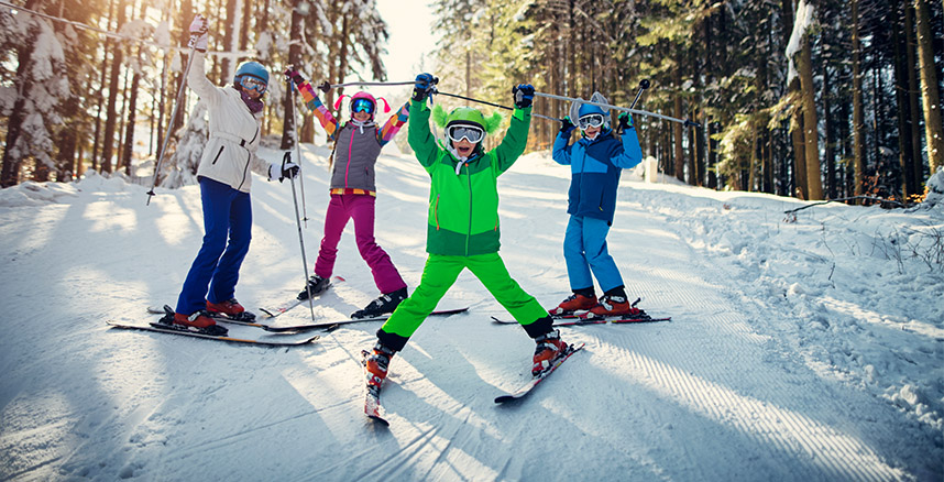 Ski with your kids in Vail