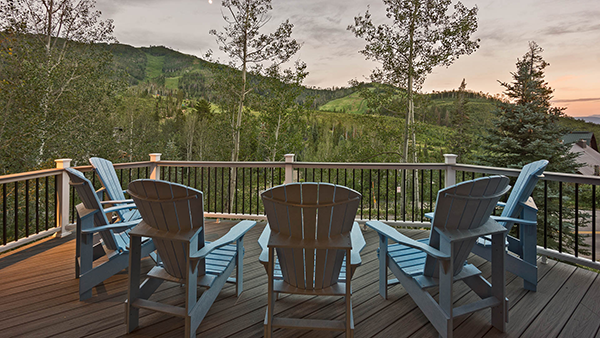 Time Flys Lodge Summer Deck in Steamboat Springs